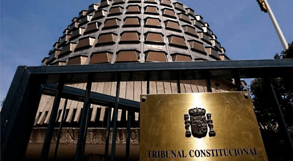 """La """"especial transcendencia constitucional"""" como requisito de admisibilidad del recurso de amparo ante el Tribunal Constitucional"""